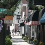 Shops in Downtown Glen Ellyn